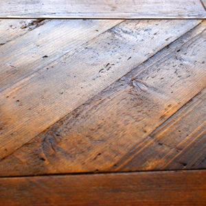 falegnameria-artigiana-recupero-legno-mannino-monteriggioni-incastro quadrato_2